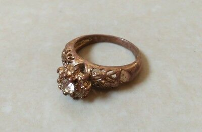 rare ancient antique roman ring bronze with stone white