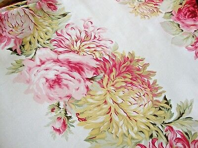 Vintage Floral Tablecloth Chrysanthemums Oval 70 x 78 Gorgeous!