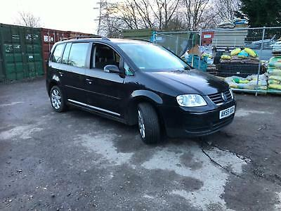 Volkswagen Touran 1.9TDI ( 7st ) 55 reg spares or repairs engine knocking