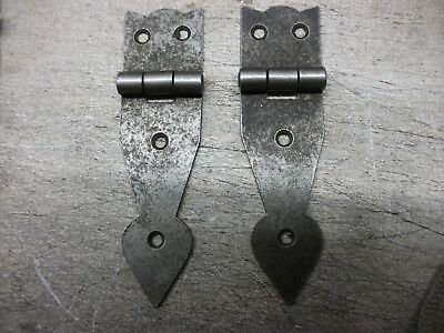 """10 Iron """"Arrowhead"""" Hinge 110mm by 30mm  end of line"""