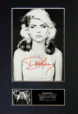 Blondie/Debbie Harry *RARE* Signature  Autographed Collectors Mounted Photograph