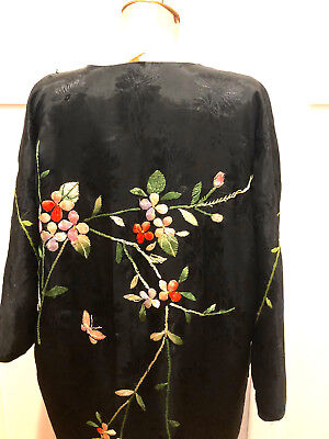Exquisite vintage Japanese ladies kimono robe to wear, collect or photo prop
