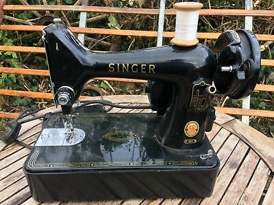 Vintage Singer 99K Electric Sewing Machine. Compact And Portable