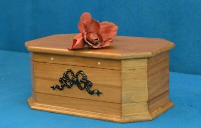 Coffin for pets in solid oak medium and small size coffins