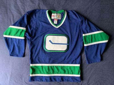 MENS CCM NHL Vintage Vancouver Canucks Roberto Luongo  1 Hockey ... 236aa1041