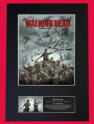 The Walking Dead - SIGNED BY 13 CAST MEMBERS - FREE DELIVERY