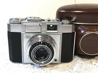 Vintage ZEISS IKON CONTINA II 35mm Film Camera 527/24, 45mm 1:2.8 Lens + Case