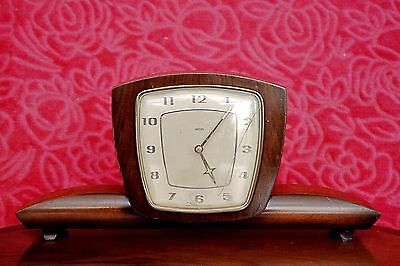 Vintage 'Smiths' Oak Case 8-Day Floating Balance Mantel Clock with Chimes, 60's