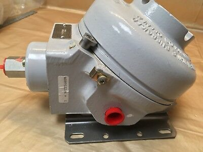 Bellows Actuated Flame Proof Pressure Switch - Delta Controls UK - Monel  £2000+