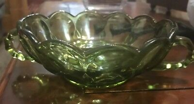 ~Small Vintage Green Depression Glass Bowl/ Dish/ w/handles Nut/ Candy /Trinket~