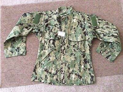 US Navy Nwu Type iii AOR2 Green Digital Blouse NWT Size Small Short Authentic