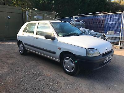 Renault Clio 1.2 RL R Reg good condition a piece of motoring history