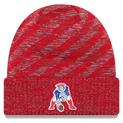 ee412d37 NEW ENGLAND PATRIOTS Throwback Logo NFL GOLD COLLECTION Pom Knit ...