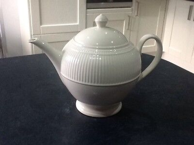 Wedgwood Windsor Teapot 2 Pint - Cream -Displayed Only