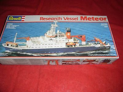 Revell® 5225 1:300 Research Vessel Meteor Neu