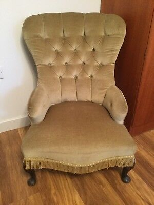 Antique Victorian Button Back Upholstered Ladies Arm/Nursing Chair