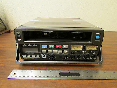 Hitachi VL-S100 Commercial S-VHS Recorder Vintage Video As-Is
