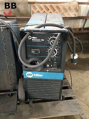 Miller Millermatic 300 CV/DC MIG/FCAW Welding Power Source/Wire Feeder 300A 32V