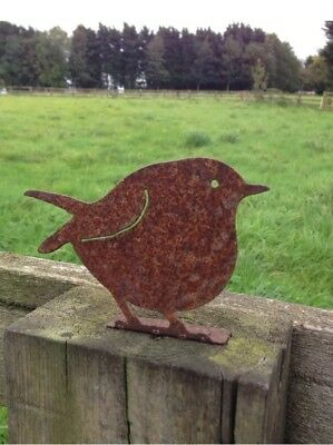 Rusty Metal Robin Garden Bird Fence Post Topper / Ornament