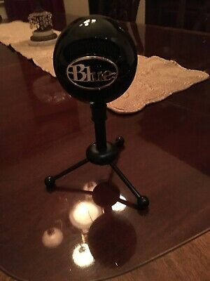 Blue Microphone Snowball Ice Microphone Black With USB Cord And Stand Used Twice