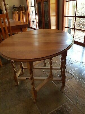 Antique Drop Side Table Barley Twist , Gate leg. In good condition.