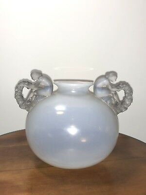 Vase Bouchardon Verre Opalescent Glass René Lalique R.Lalique Women Opalescence