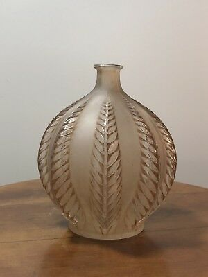 Vase Malines René Lalique R.Lalique Frosted And Stained Glass Vase Leaves