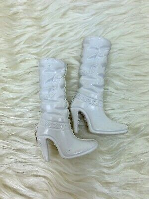 White High heel long boots shoes for a doll
