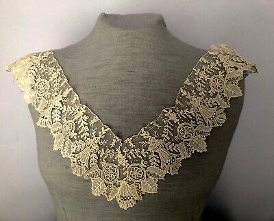 Large square of handmade 19th c. Point de Gaze needle lace Handkerchief COLLAR