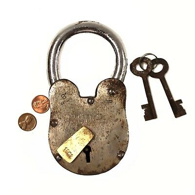 Wine Cellar Padlock Rusty Antique Style Treasure Chest Lock 2 lbs 6 inches Tall
