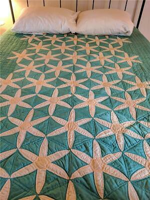 Gorgeous Quilted 1930's Daisy Applique Quilt - Teal - Beautiful!