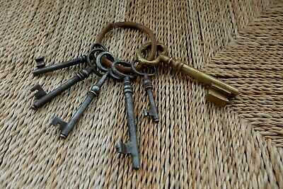 Antique Vintage 6 Keys Collection On Ring Collector Craft Home Art 04-11