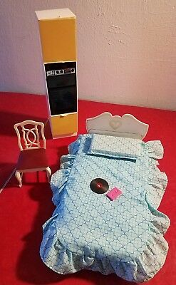 Vintage Sindy Doll Furniture lot Marx BED dining room chair Wall Oven 1978 as is