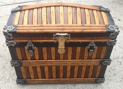Beautiful Rare Antique Martin Maier Oak Slat Dome Top Trunk, Excellent Interior