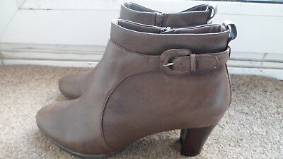 799f587f7db8 M S Footglove Size 8 - Wider Fit- Ladies Leather Ankle Boots - Brown