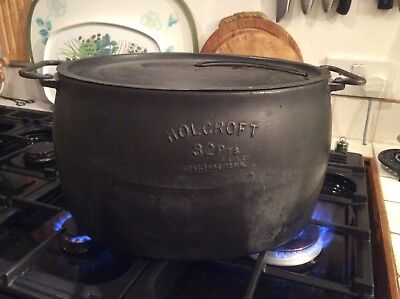 Vintage cast iron 32 pint Holcroft casserole pot