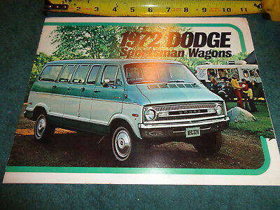 1972 DODGE SPORTSMAN Wagon Van Truck Brochure Royal