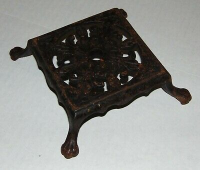 VINTAGE ANTIQUE 1920's 1930's Cast Iron Trivet CLAW FOOT Made in USA VGC