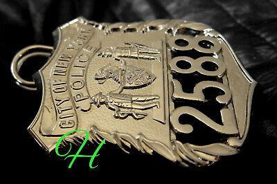q7/ Historisches police badge + City of New York Police / NYCP