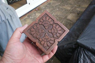 Striking Detailed Hand Carved Trinket Box, Desk Top Box, Engraved Pattern