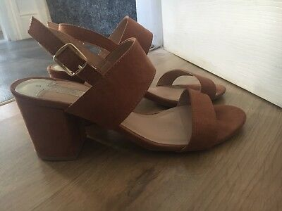 Tan Small Heeled Sandals Size 5