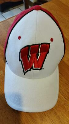 3c853a71be7 WISCONSIN BADGERS NCAA Black White and Red Fitted Zephyr M L NEW Hat ...