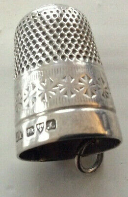 Antique solid silver thimble hallmarked RP (Robert Pringle?) Chester 1901 size 8