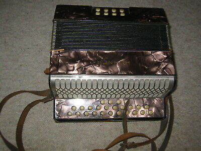 very small nice Hohner Liliput button accordion WWII Tornisteraccordeon in B/Es