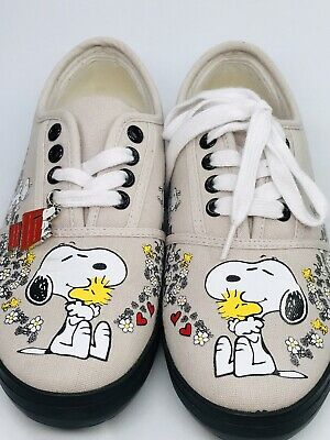 3c2af2f4ed Charles Schultz Snoopy Shoes New Peanuts Woodstock Bradford Exchange Size 6