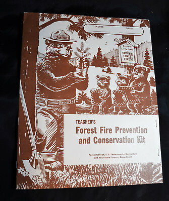 Smokey the Bear New!! Vintage 1966 Teacher/'s Fire Prevention Kit