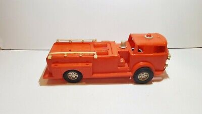 Vintage Plastic US Fire Truckr Made in Hong Kong 29,3 x 9,4 x 10,4 cm INCOMPLETE