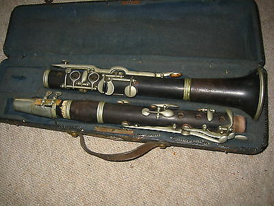 "Very old wooden Clarinet open holes, 2 rings ""Kunc Ostrava""?"