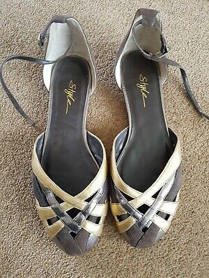 Flat Shoes With Ankle Tie Size 7