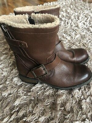 Clarks Boots Size 5